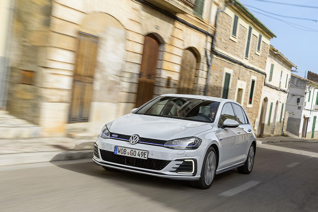 Neu: VW Golf GTE Plug-In-Hybrid: