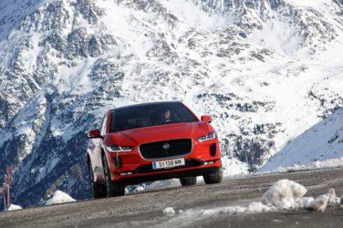Der Jaguar I-Pace auf dem Gletscher
