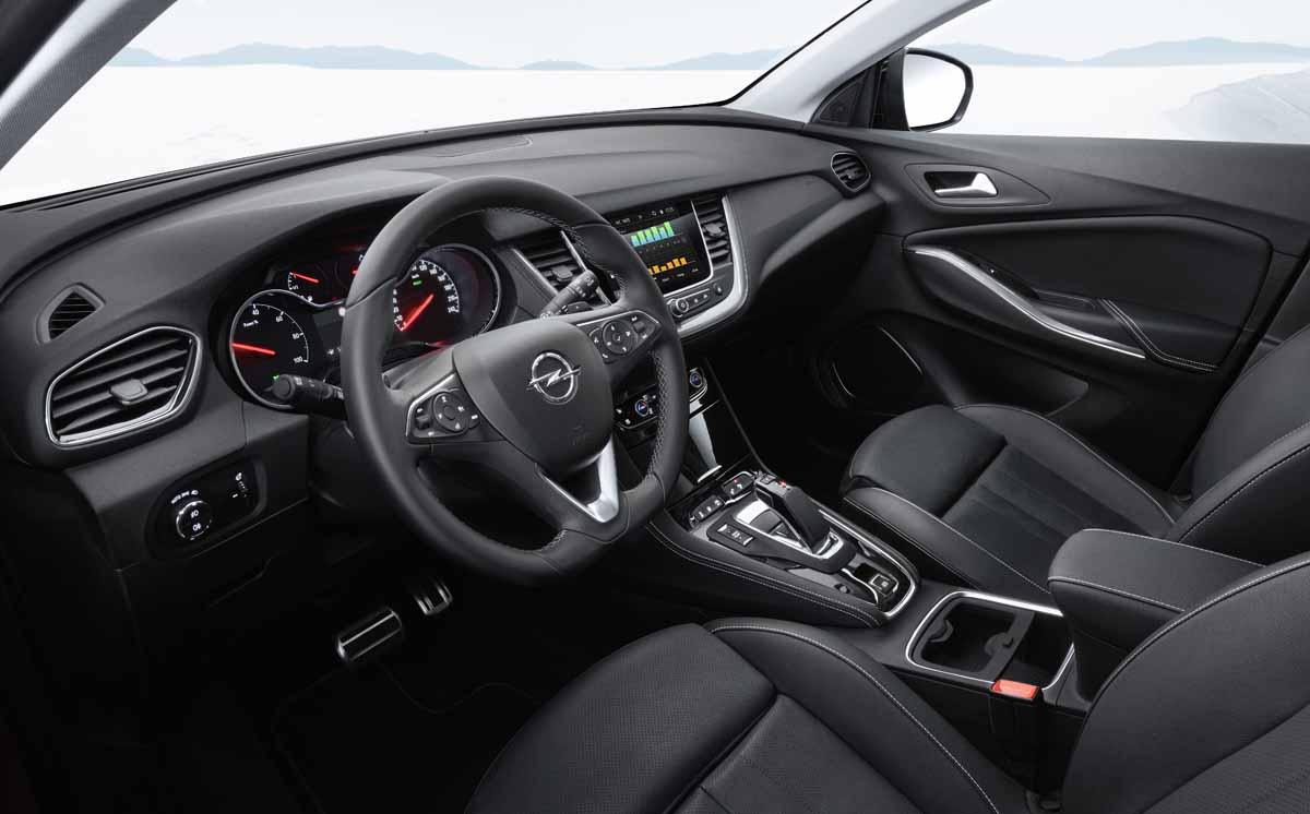Opel Grandland X: Besser mit Benzin und Strom
